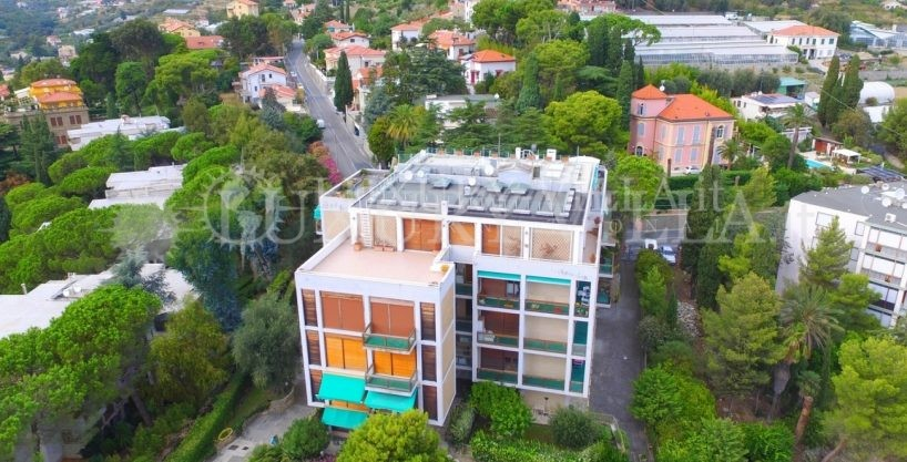 Apartment for Sale in Sanremo with sea view